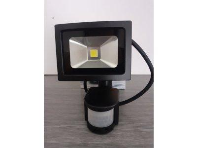 Reflektor LED 10W+PIR Biela studená WM10WSE 230V čierne